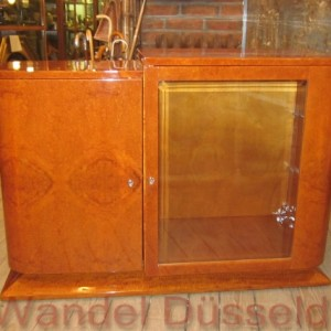 02443 art deco sideboard mit vitrine restauriert wandel antik. Black Bedroom Furniture Sets. Home Design Ideas