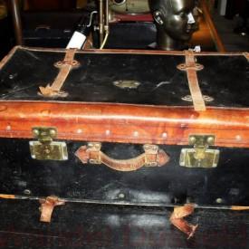 01203 - Reisekoffer aus Leder