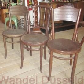 wandel-antik-01214-antike-holzstuehle