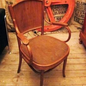wandel-antik-01490-fischel-armlehnstuhl-aus-holz