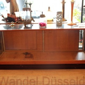 wandel-antik-02194-vitrinen-theke-mit-schiebetueren