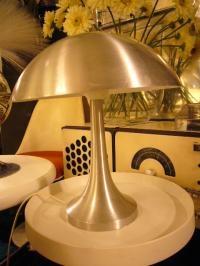 wandel-antik-02140-tischleuchte-aus-aluminium