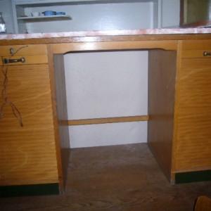 wandel-antik-02167-schreibmaschinentisch-mit-lamellentueren