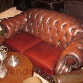 wandel-antik-02128-zweisitzer-chesterfield-ledersofa