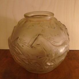 wandel-antik-01313-pressglasvase-mit-gelblicher-tönung