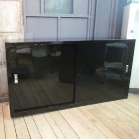 wandel-antik-01562-metall-sideboard-hochglanz-schwarz
