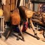 wandel-antik-01605-alte-turnpferde-sportgeraete-requisiten-verleih-1