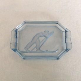 wandel-antik-01729-pressglas-aschenbecher-skiläufer