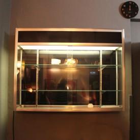 wandel-antik-01760-wandvitrine-aluminium-glas