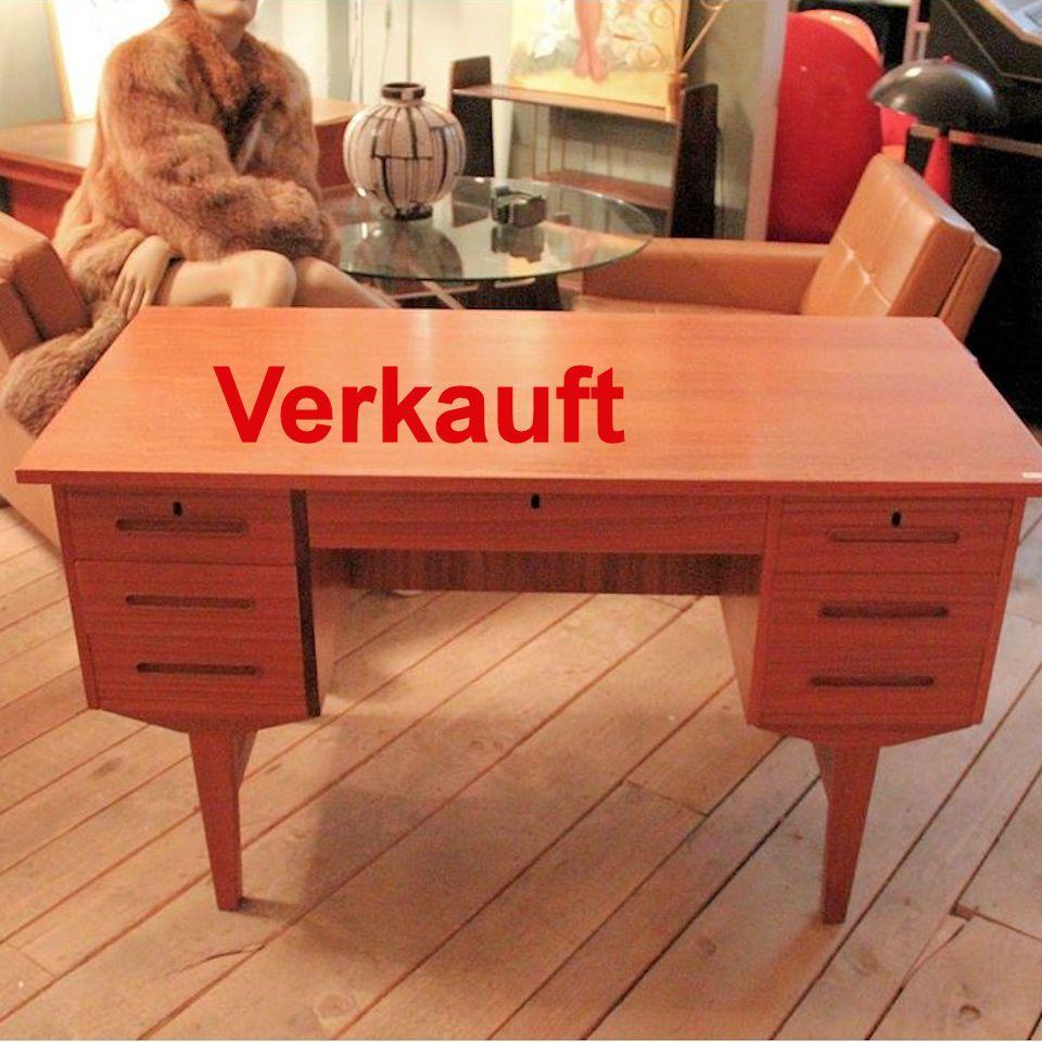 01805 - Kleiner Schreibtisch im skandinavischen Design ...