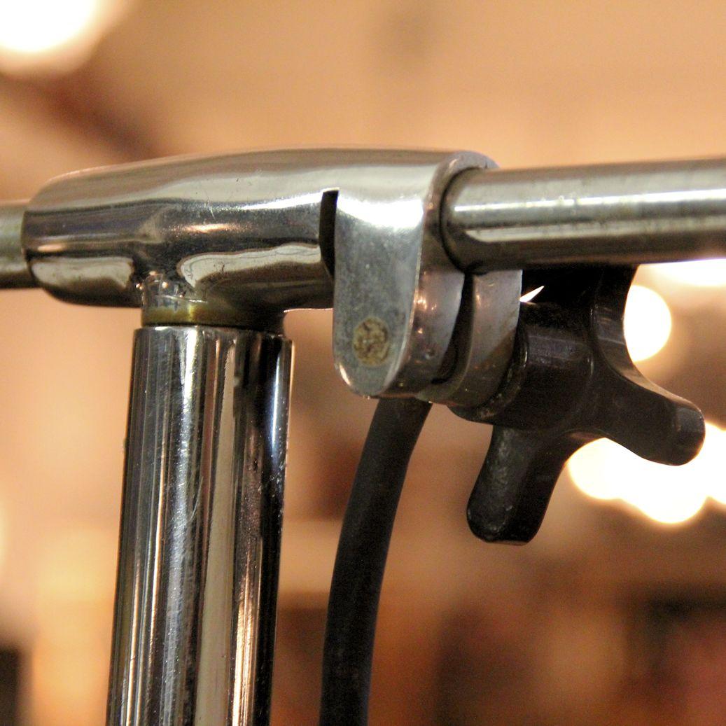 02391 stehleuchte alte op leuchte aus frankreich wandel antik. Black Bedroom Furniture Sets. Home Design Ideas