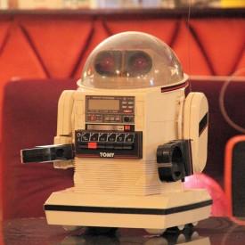 wandel-antik-02699-roboter-klein-von-tomy