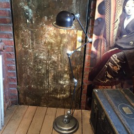 wandel-antik-02968-jielde-stehlampe