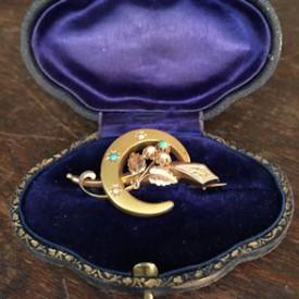 wandel-antik-03015-brosche-und-3-paar-ohrringe-1870-1900-1