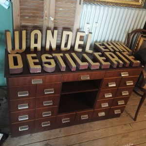 wandel-antik-03057-apothekerschränke-1