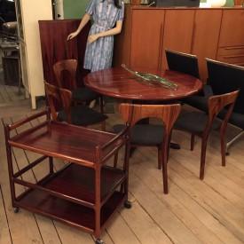 03093 - EsstischTeewagen 4 Stühle