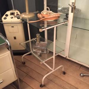 wandel-antik-03362-rollbares-arzttischchen