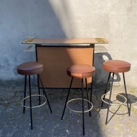 wandel-antik-03626-1960er-jahre-bar-mit-drei-barhockern