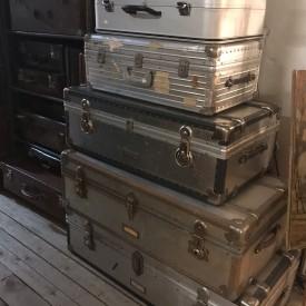 wandel-antik-03685-diverse metallkoffer